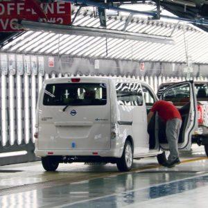 Lanzamiento de un vehículo NISSAN